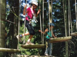 Kletterwald Scheneck - die Freizeitaktivität für Kinder in Augsburg die hoch hinaus wollen